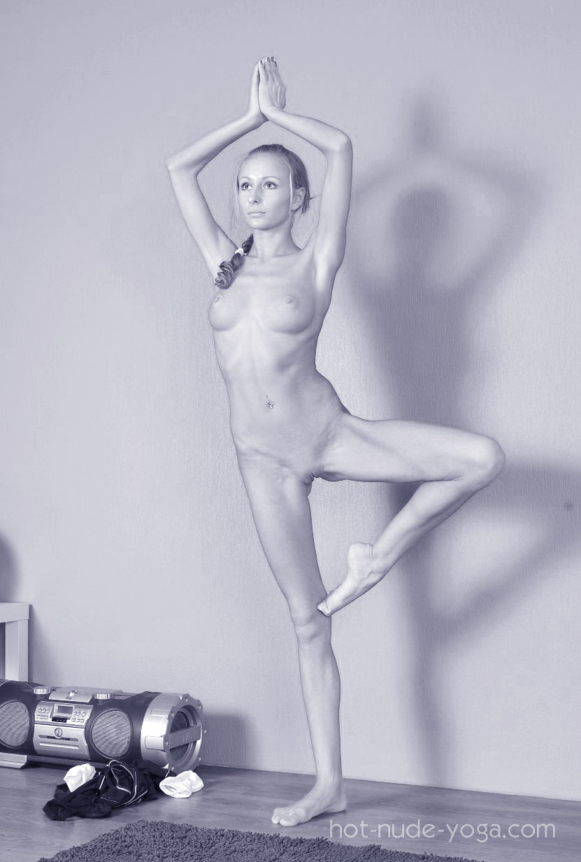 Hot nude yoga photo