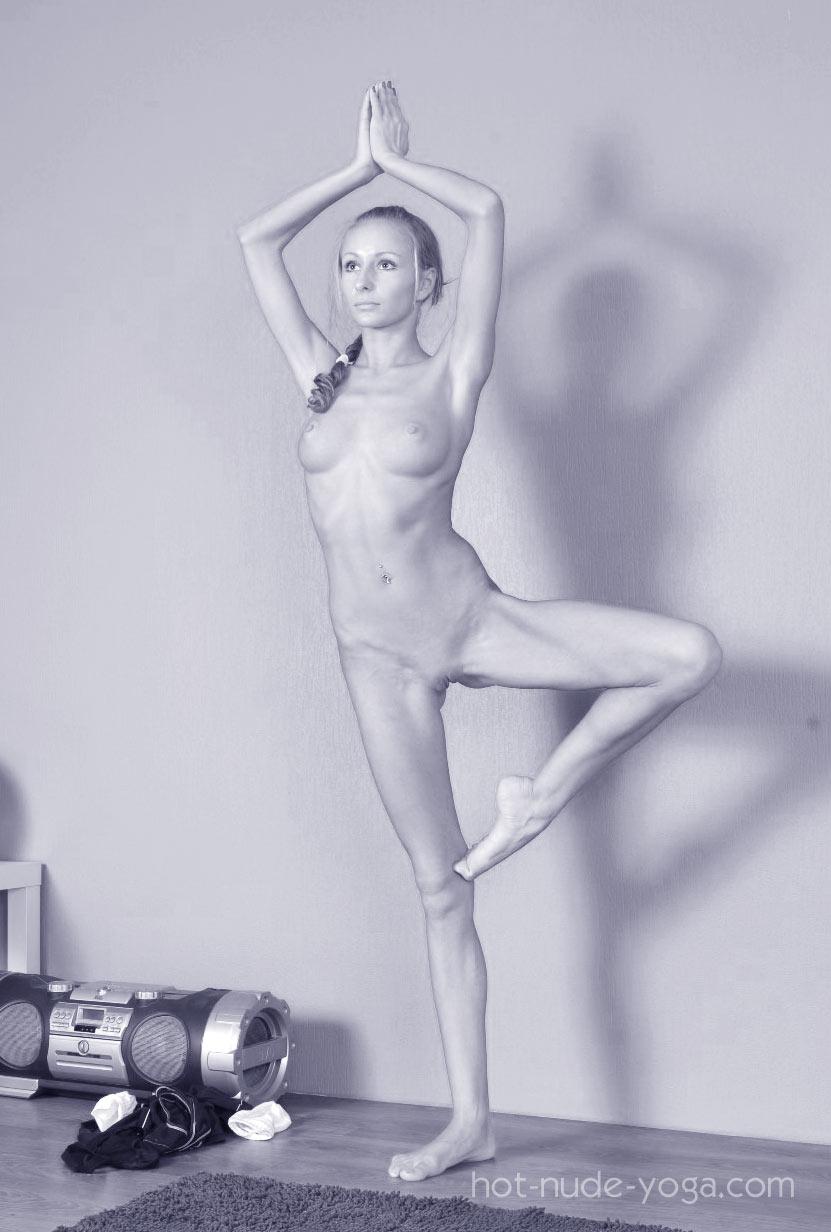Hot nude yoga photo