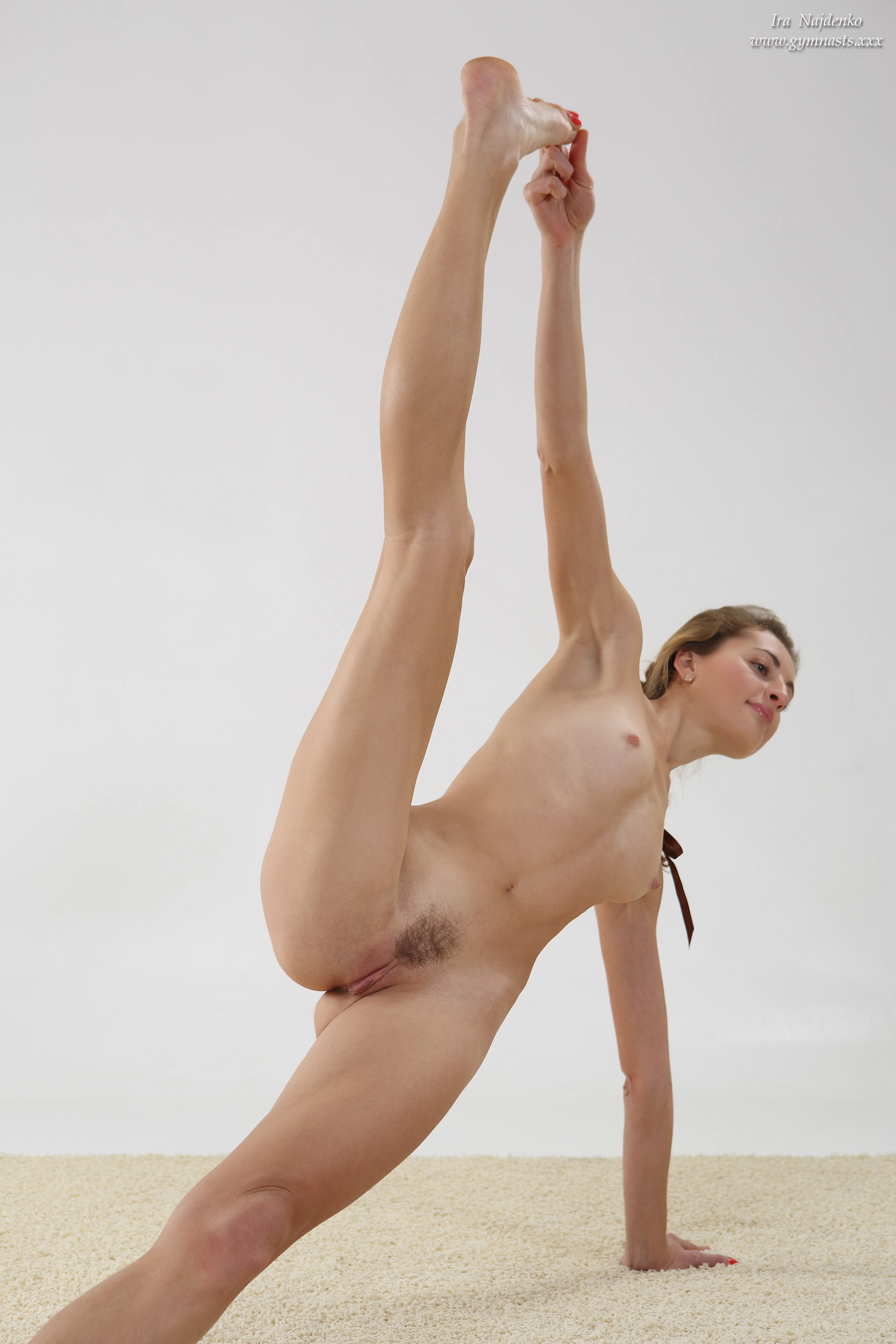 nude girl doing gymnastics